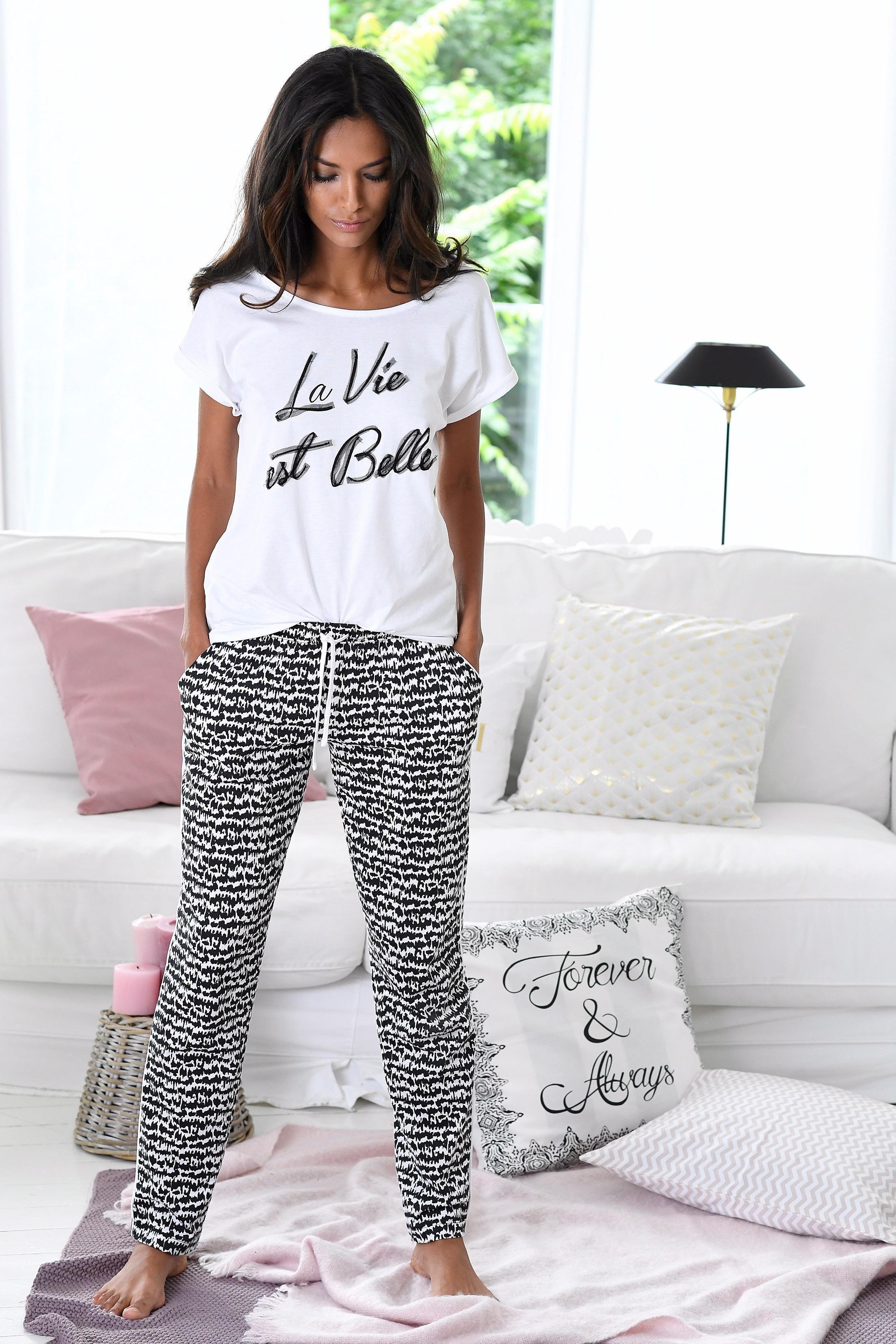 s.Oliver Pyjama im Schwarz-Weiss-Design »La Vie est Belle«