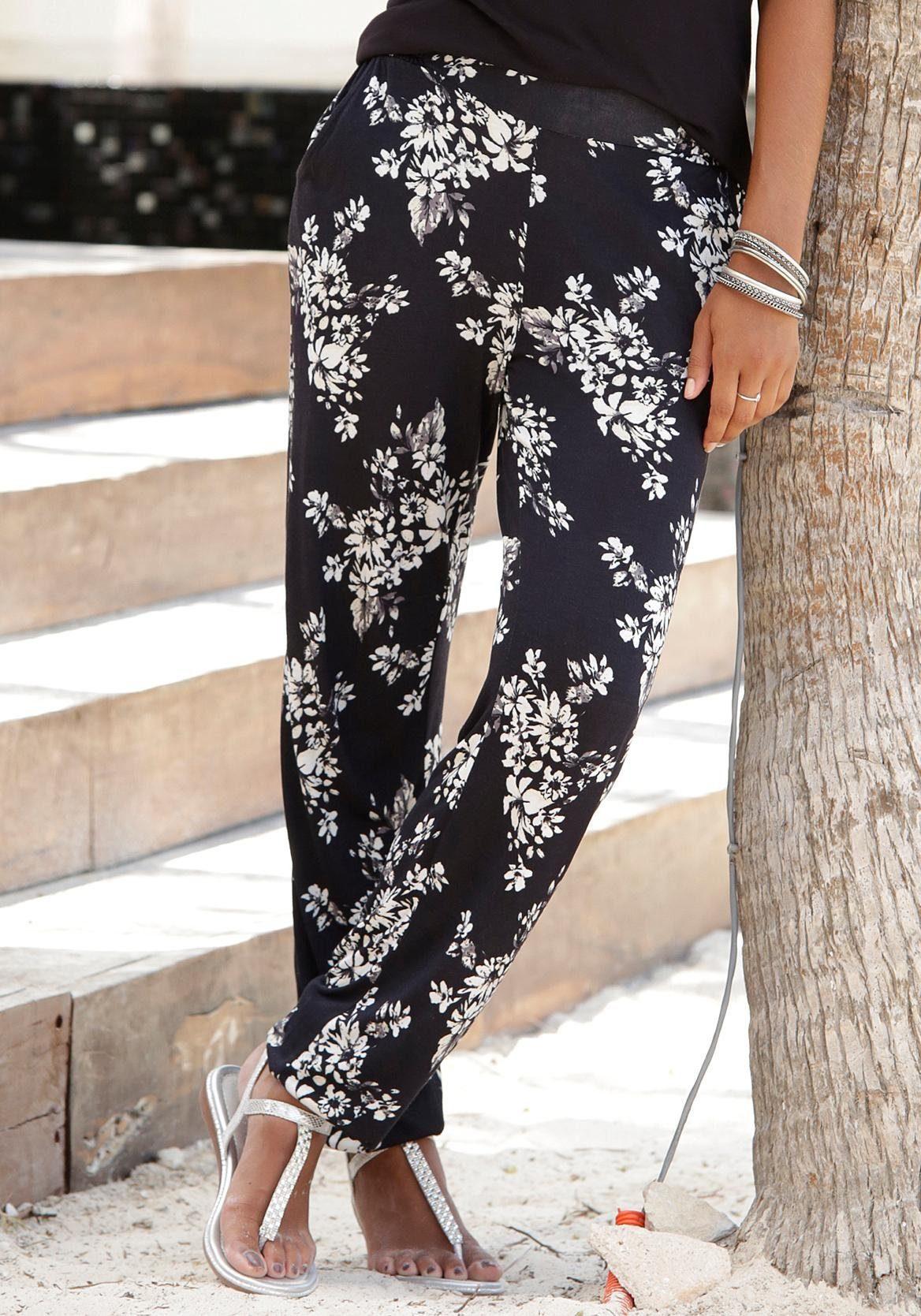 LASCANA Strandhose mit dezentem Blumendruck