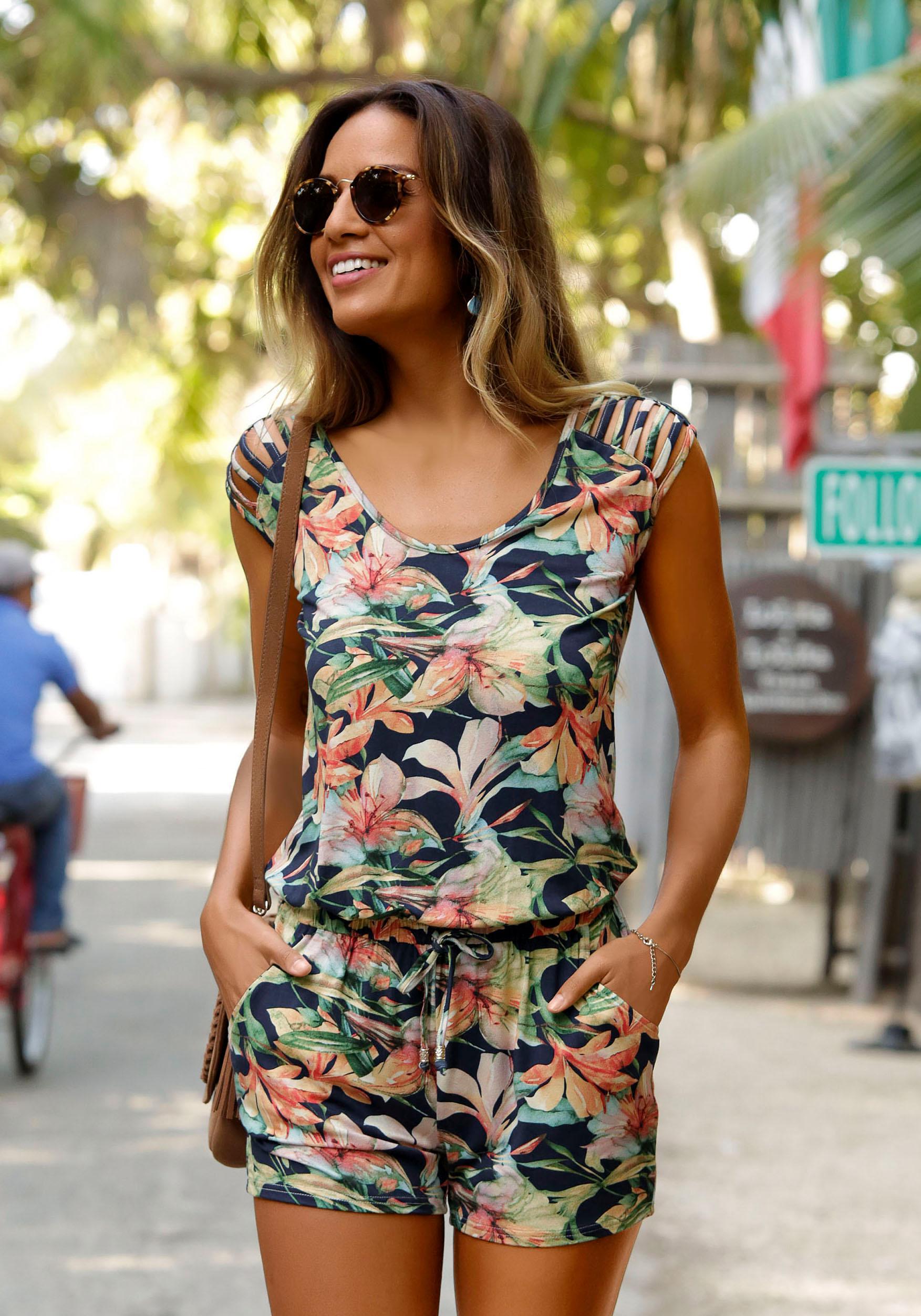 LASCANA Strandoverall mit tollen Schulterdetails