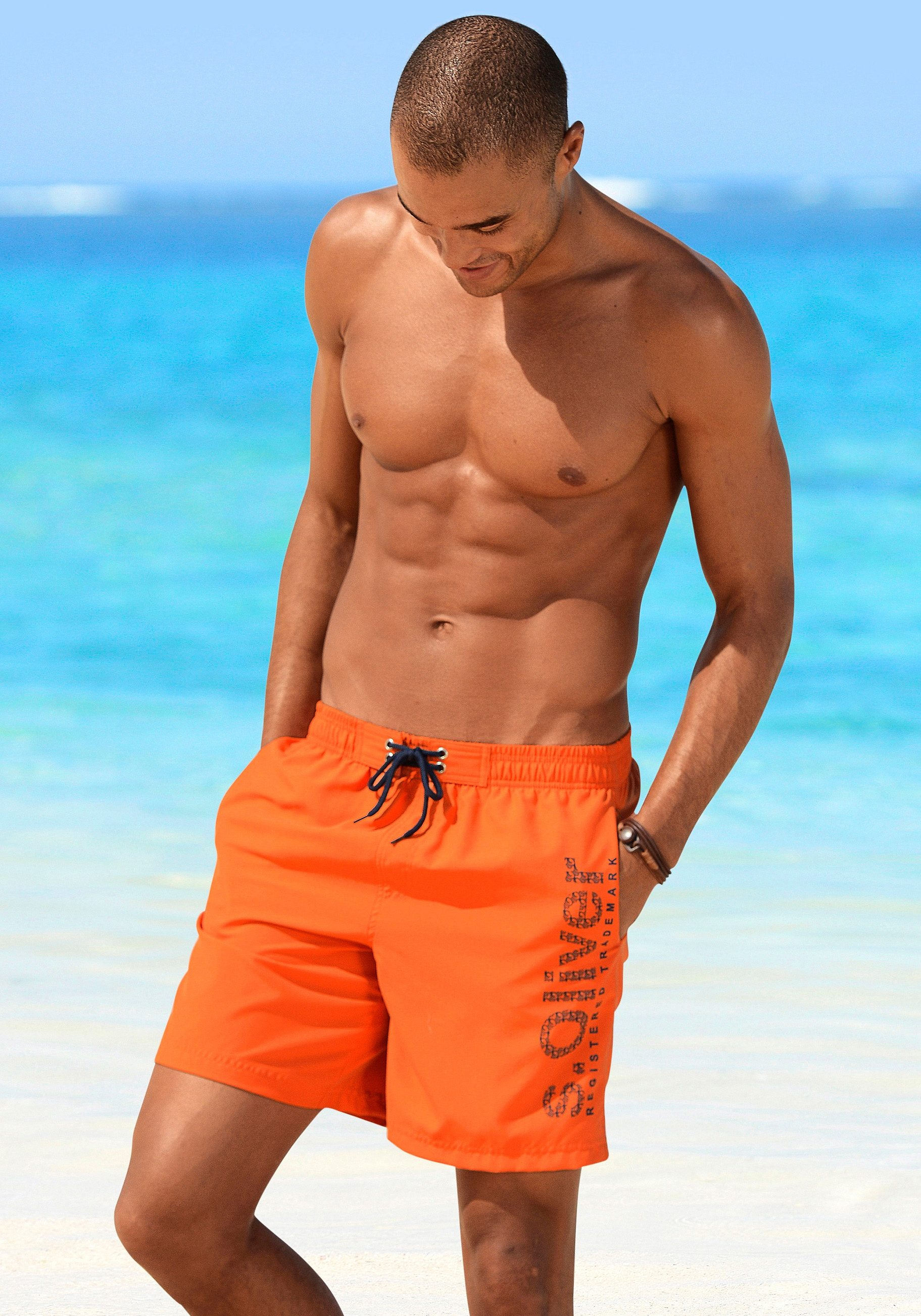 s.Oliver RED LABEL Beachwear Badeshorts mit trendigem Logoprint