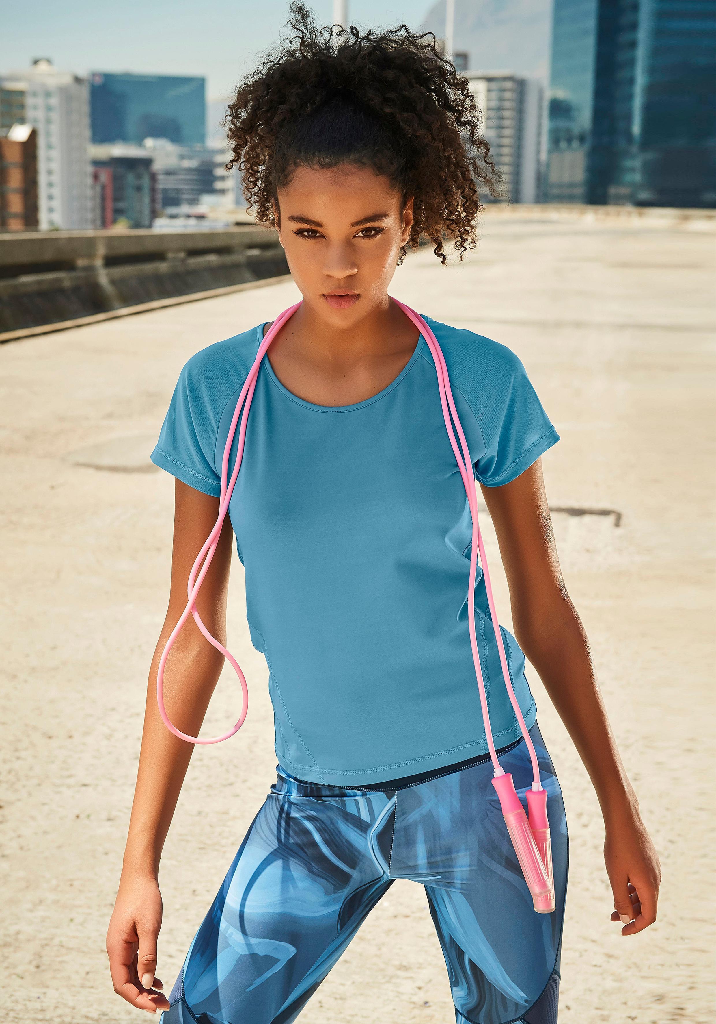 LASCANA ACTIVE Kurzarmshirt »Like a Feather«
