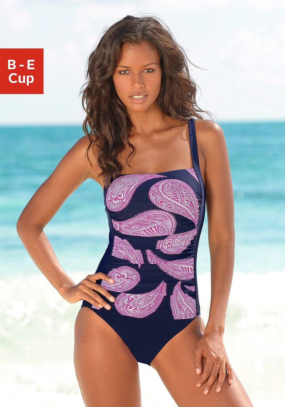LASCANA Badeanzug im modischen Floralprint